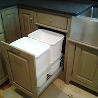 Kitchen 6C (trash unit)